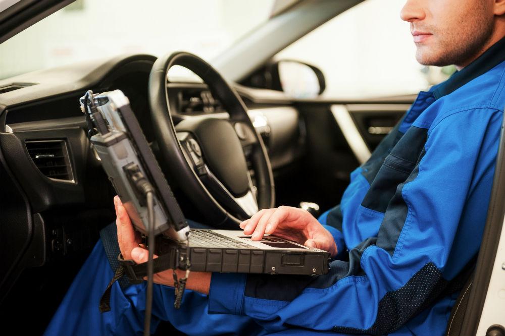 Révision et entretien dans votre garage Peugeot vers Lacassagne